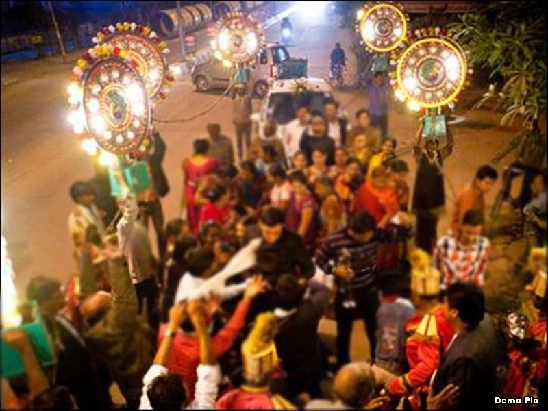 अग्रवाल समाज में बरात में महिलाओं के डांस पर बैन, महिलाएं बोलीं- पहले शराब पीकर नाचने वाले पुरुषों पर प्रतिबंध लगाएं