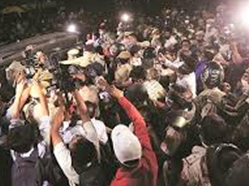 Hathras Case: हाथरस  केस में PM Modi ने CM योगी से की बात, बोले  दोषियों के खिलाफ सख्त कार्रवाई हो