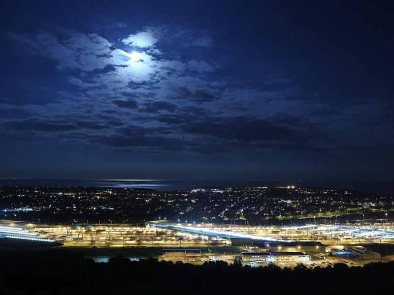 Blue Moon 2020: 31 अक्टूबर की रात होंगे नीले चांद के दीदार, इस बार बन रहा विशेष संयोग