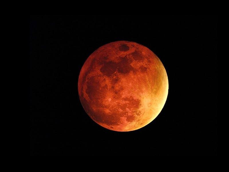 Mars Planet: पूरे महीने शाम 6:30 बजे के बाद बिना टेलीस्कोप के देख सकेंगे मंगल ग्रह
