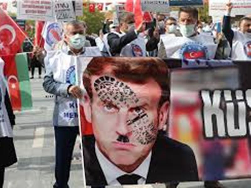 Protest Against Emmanuel Macron: मुंबई, भोपाल समेत दुनियाभर में हो रहे फ्रांस के राष्ट्रपति के खिलाफ प्रदर्शन, जानिए क्या है मामला
