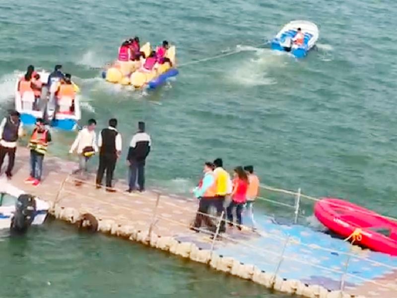 Madhya Pradesh News :  पर्यटन स्थल हनुवंतिया में बोट पलटी, सभी सवार सुरक्षित