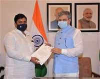 पिपरई-ललितपुर लाइन के लिए स्वीकृत राशि का आवंटन किया जाए : सांसद