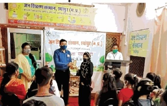 श्योपुरः स्वच्छता से जीवन में बड़ा बदलाव आता है : सक्सेना