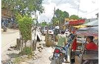 भिंडः दिन में बाजार से निकलने वाले भारी वाहनों को रोका जाए