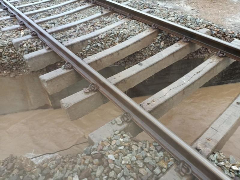 जोधपुर मंडल में बारिश के कारण रेल यातायात प्रभावित, अब पूर्व निर्धारित समय पर चलेगी ये ट्रेनें