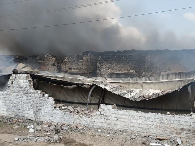 Rajasthan: जोधपुर के एक हैंडीक्राफ्ट फैक्ट्री में लगी भीषण आग, लाखों का हुआ नुकसान