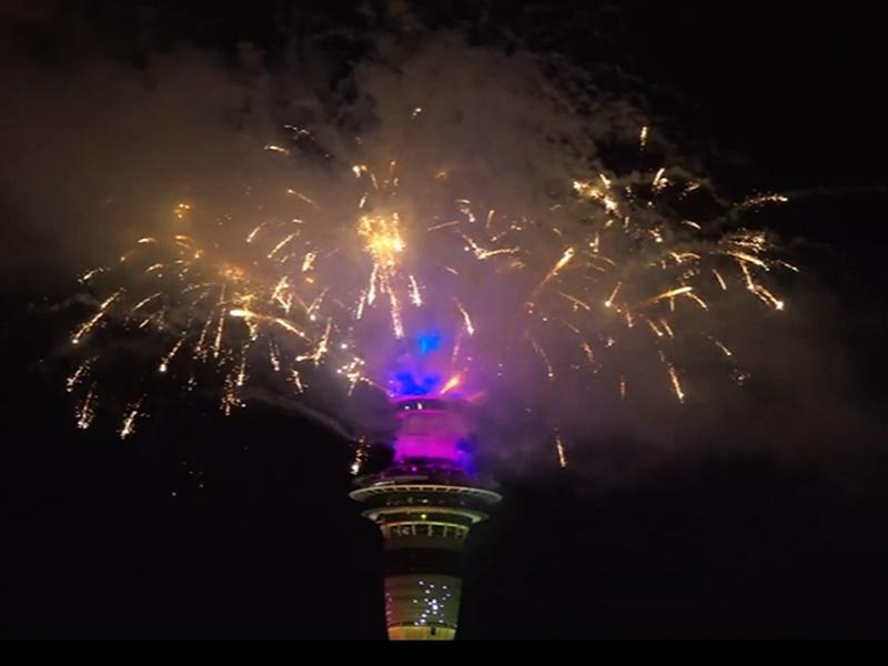 New Year 2021 Celebration LIVE: न्यूजीलैंड में नए साल का आगाज, देखें जश्न की Photo और Video