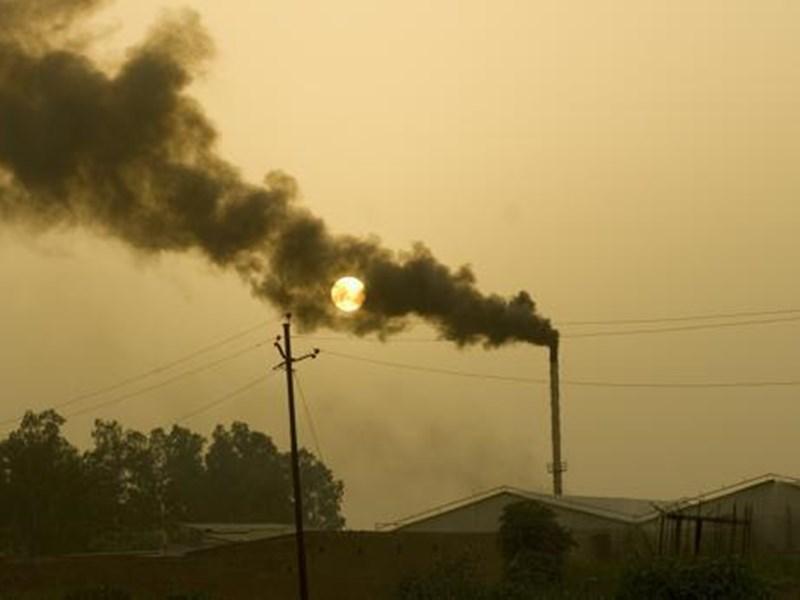 Pollution in Indore : इंदौर में कम हुआ प्रदूषण, पीथमपुर में भी सुधार