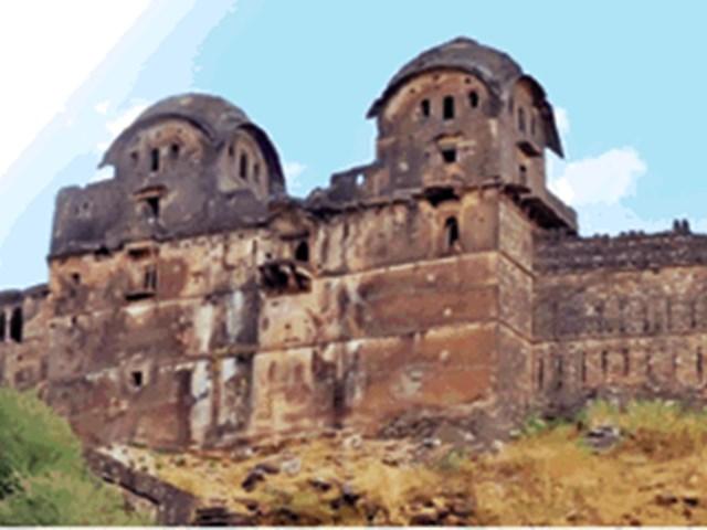 Rahatgarh Fort: ब्रिटिश सेना का घेरा तोड़ किले से निकाले थे विद्रोही सैनिक