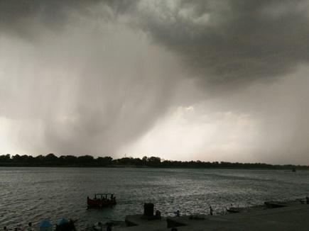 ओडिशा में चक्रवात की आहट, भारी बारिश की आशंका