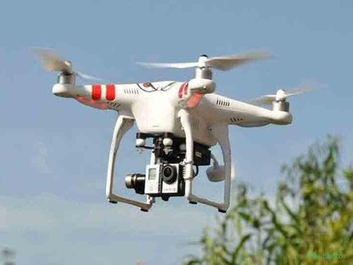 भारत-पाक सीमा पर फिर दिखाई दिया संदिग्ध ड्रोन