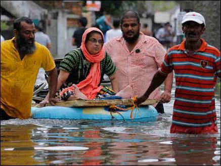 बांग्लादेश में रोआनू का कहर, 5 लाख लोग हुए बेघर व 24 लोगों की मौत