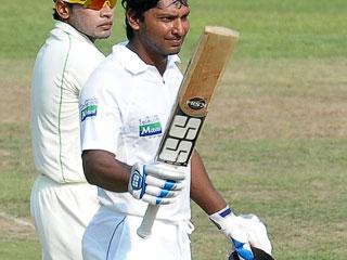 संगकारा के करियर का 34वां शतक, श्रीलंका का विशाल स्कोर