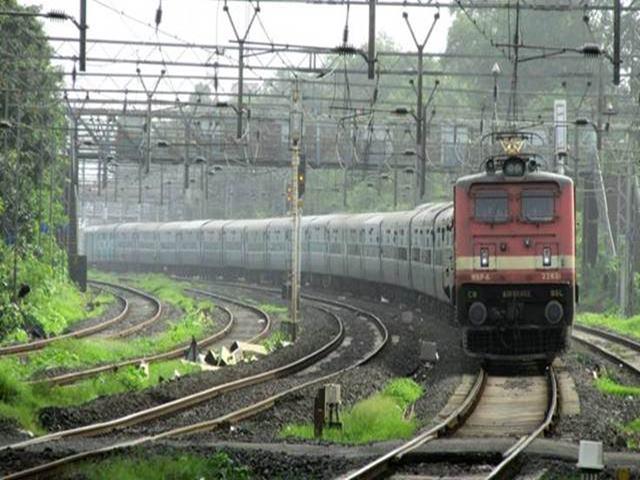 दिल्ली से वैष्णो देवी के लिए चलेगी स्पेशल ट्रेन, पढ़ें कब से यात्रियों को मिलेगी यह सुविधा