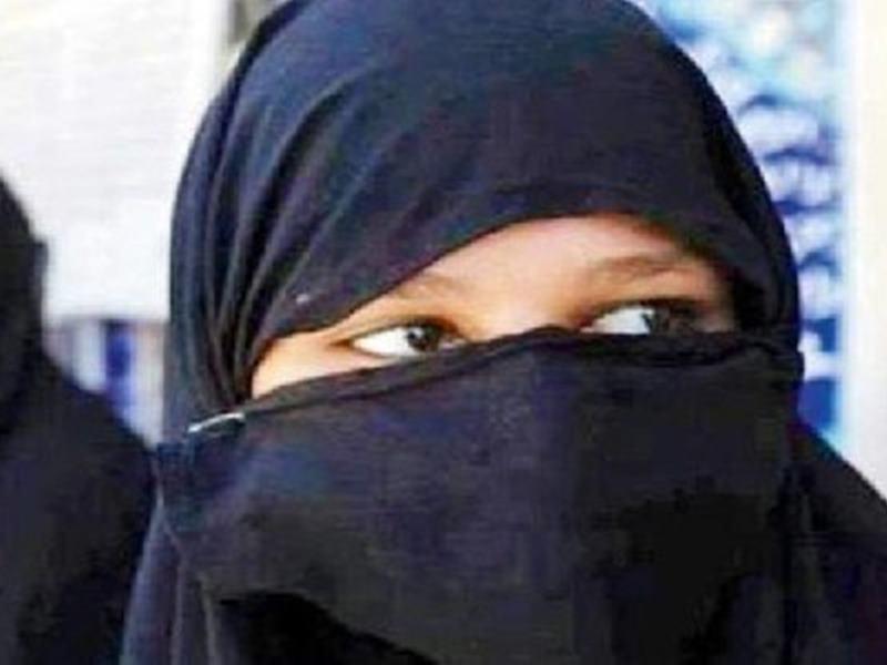Tripal Talaq : केरल के युवक ने पत्नी को Whatsapp पर दिया तीन तलाक, केस दर्ज