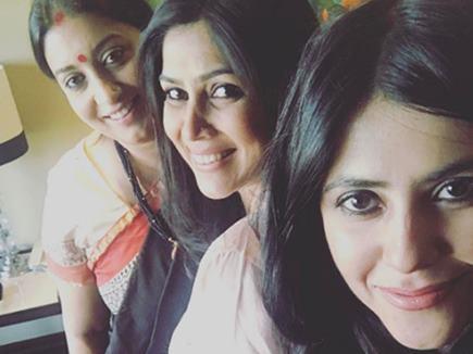 एकता कपूर ने शेयर की तस्वीर, साथ नजर आईं पार्वती और तुलसी