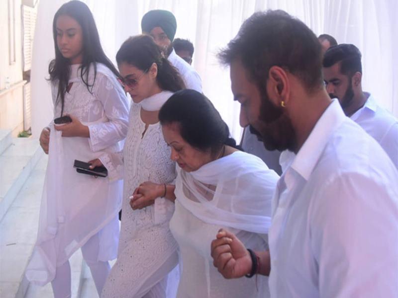 Veeru Devgan's Prayer Meet: वीरू देवगन की प्रेयर मीट में पहुंचे अमिताभ और सलमान सहित तमाम दिग्गज स्टार, देखें Photos