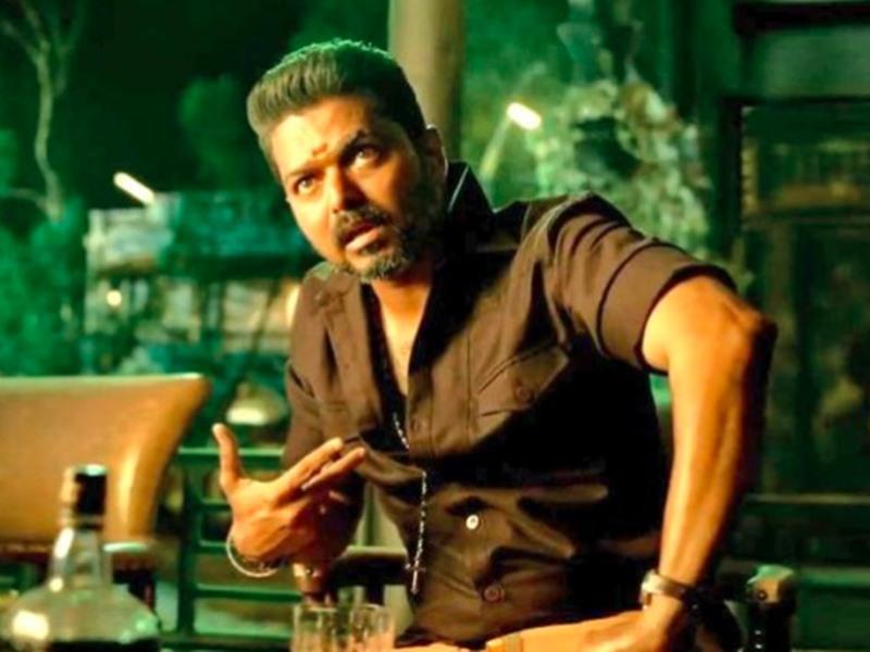 Bigil Box Office Collection Day 1: Vijay की 'बिगिल' को दुनियाभर से मिलीं खूब 'सीटियां', जबरदस्त हुई कमाई
